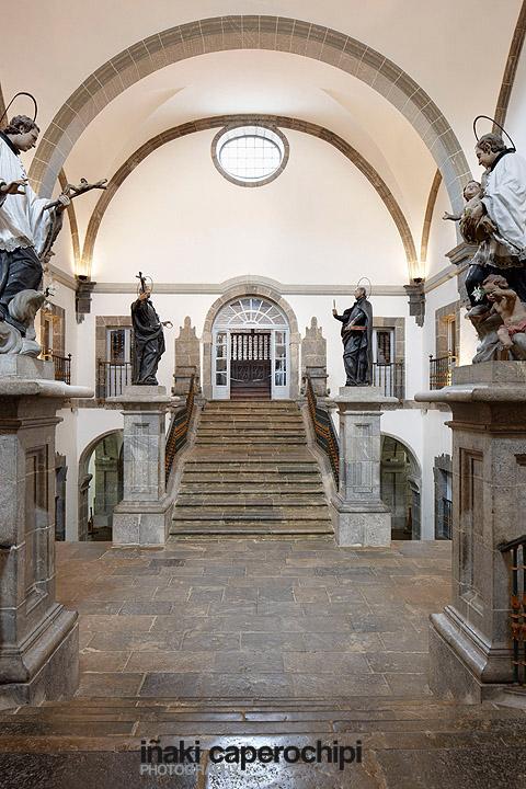 La escalera de los santos