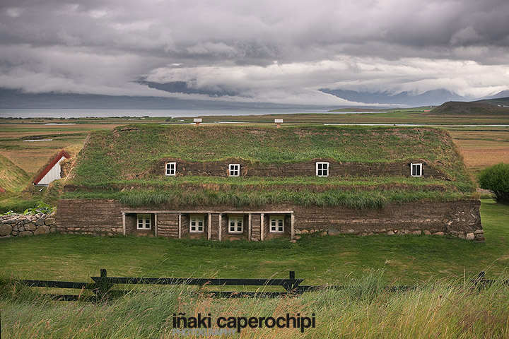 Casas de tejado de hierba de Laufas