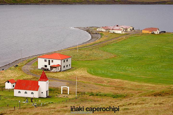 Iglesia y  casas de Ospekseyrl