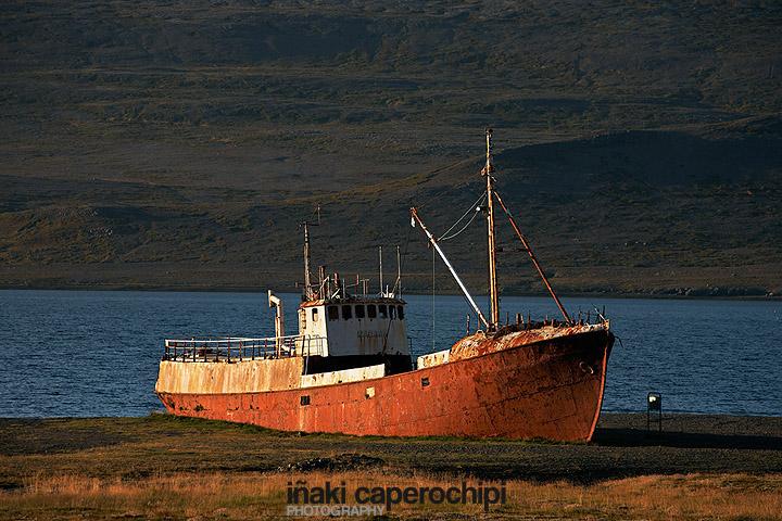 Pesquero Gardar encallado en el  Patreksfjordur