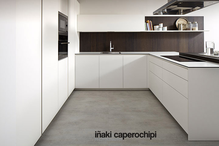 Cocina blanca encimera negra modelo line e blanco Cocina blanca encimera granito negra