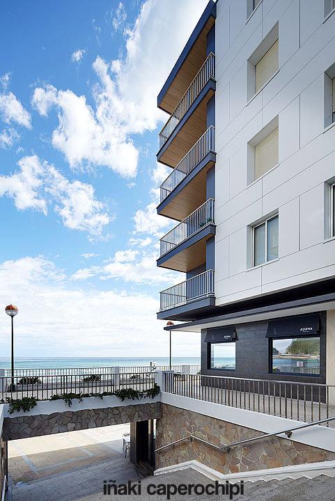 Apartamentos sobre el mar mutxio en zarautz - Apartamentos en zarauz ...
